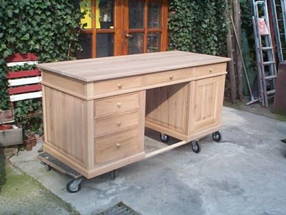 Bureau sur mesure en ch ne 6 tiroirs 1 porte meuble for Bureau 6 tiroirs