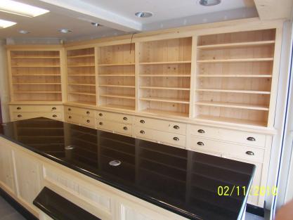 Mobilier de pharmacie bois massif meuble marcelis luc for Agencement pharmacie meuble