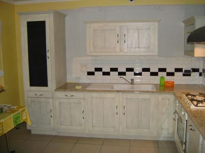 meuble de cuisine en ch ne peinte sur mesure meuble marcelis luc. Black Bedroom Furniture Sets. Home Design Ideas