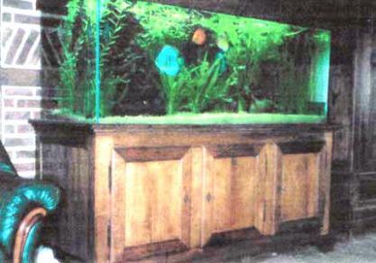 meuble louis philippe pour aquarium meuble bois massif meuble marcelis luc. Black Bedroom Furniture Sets. Home Design Ideas